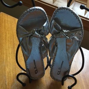 CL By Laundry NWT silver slides